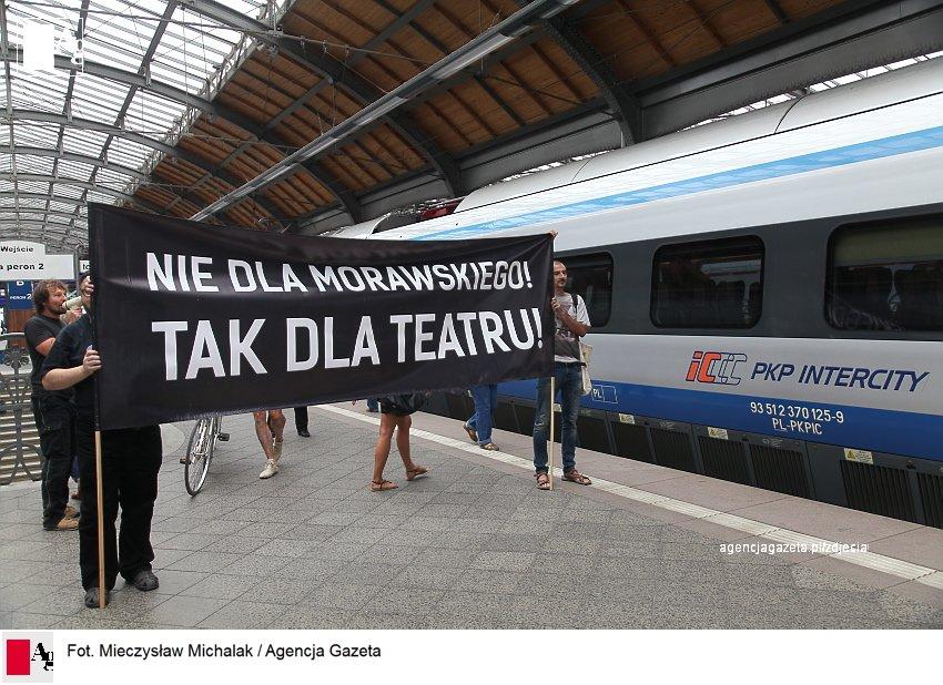 Nowy dyrektor Teatru Polskiego z biletem powrotnym do Warszawy