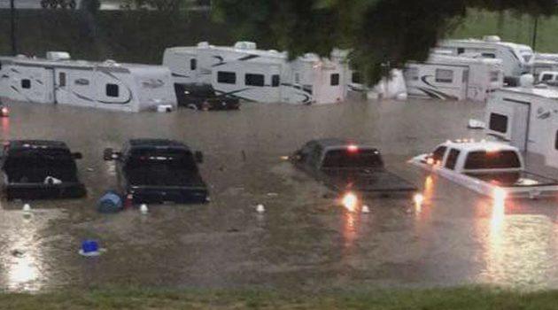 Intensywne opady deszczu powodem ewakuacji Illinois State Fair