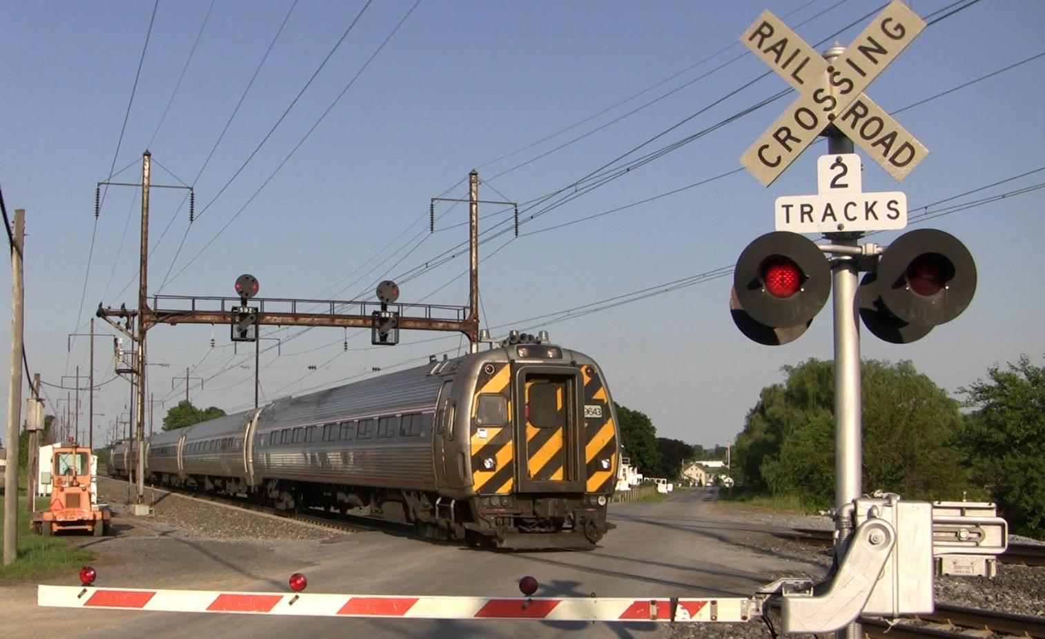 Nie zatrzymasz się na przejeździe kolejowym, dostaniesz wysoki mandat