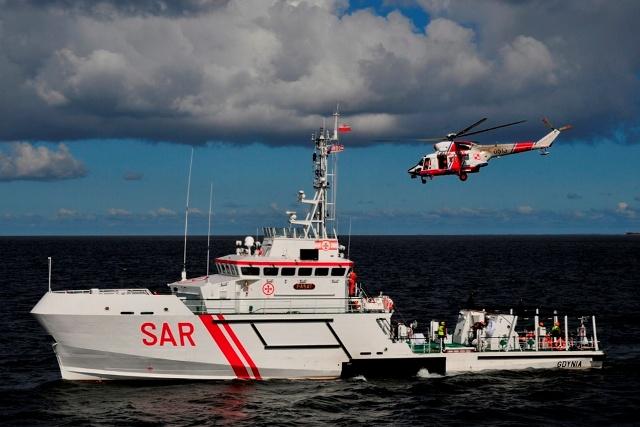 Poszukiwania dziewczynek zaginionych w morzu