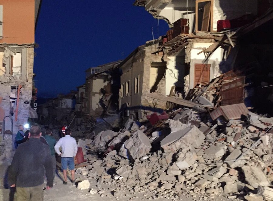 Włoski rząd w sprawie zniszczeń po trzęsieniu ziemi