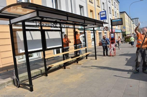 Przed czym osłonią pasażerów nowe wiaty na przystankach w Białymstoku?