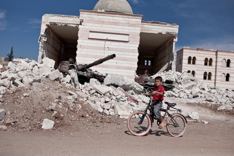 270 tysięcy Syryjczyków uciekło z terenów walk