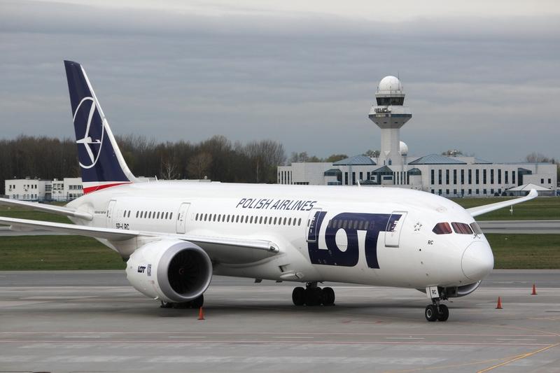 LOT: Osiem nowych Boeingów już w przyszłym roku