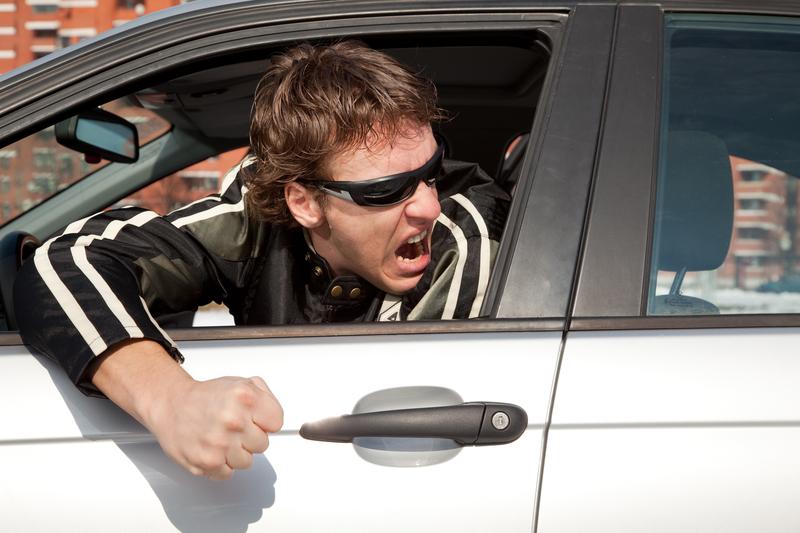 Europejczycy zbyt pewni swoich możliwości za kierownicą i coraz bardziej agresywni