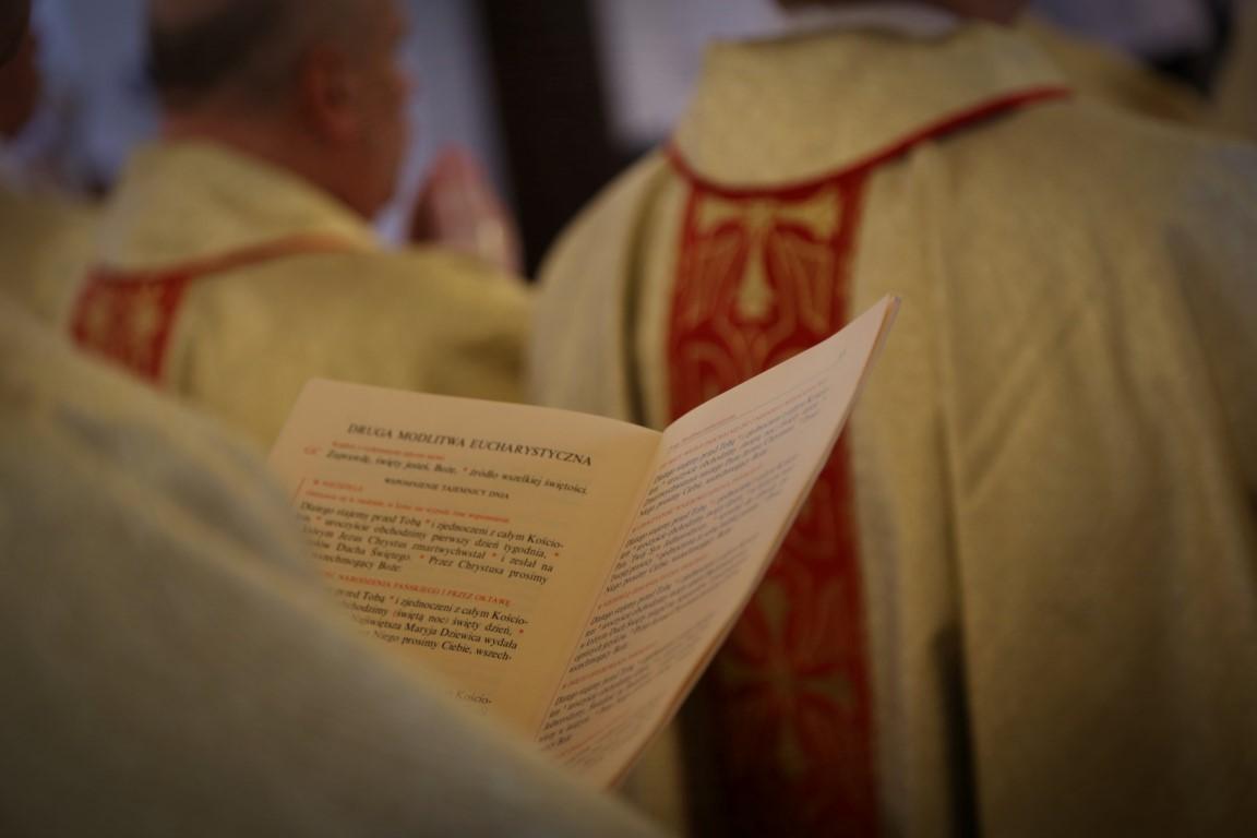 Polscy biskupi uderzają w żądania reparacyjne. Niemiecki biskup dziękuje za to polskim biskupom