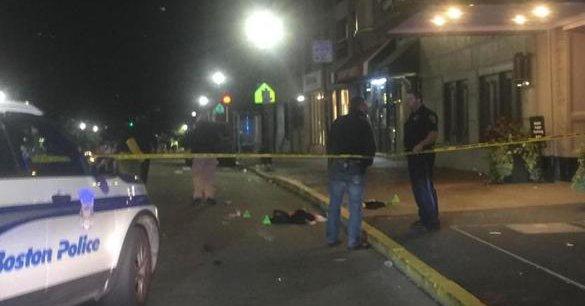 Chaos na ulicy w Bostonie, 7 osób ugodzonych nożem
