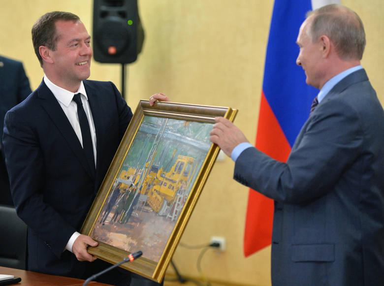Opozycja prześwietla majątek Miedwiediewa