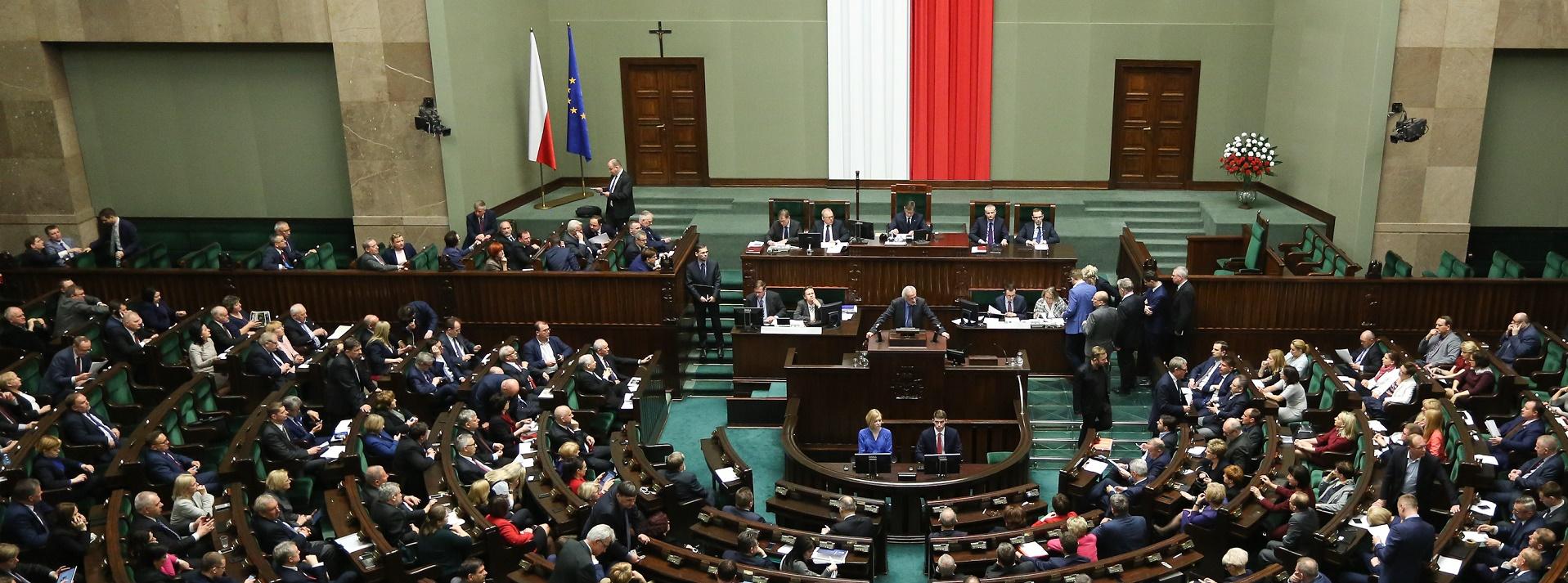 Sejm przyjął nowelizację ustaw reformujących sądownictwo