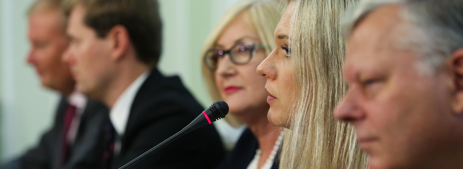 Amber Gold: Wniosek ABW o założenie podsłuchu czekał aż tydzień u prokuratora
