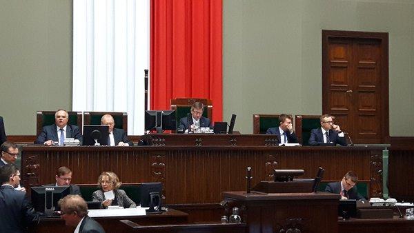 Sejm wznawia obrady