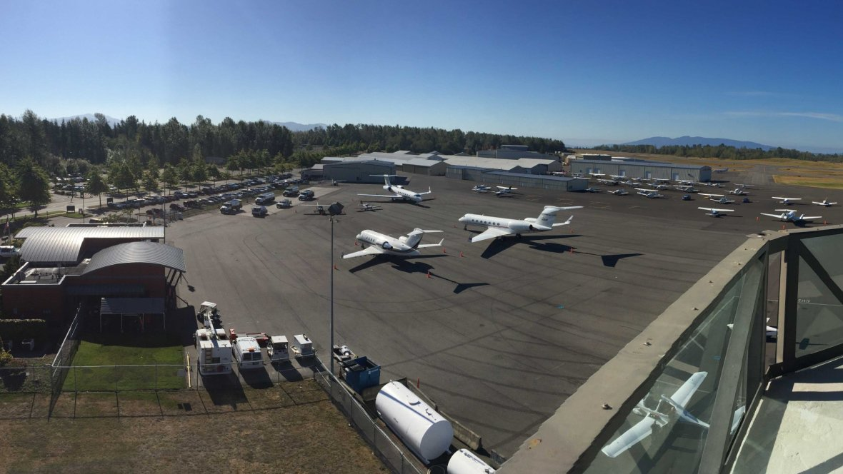 Ewakuacja lotniska przy granicy z Kanadą