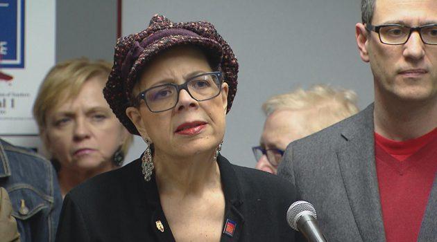 Karen Lewis poparła Toni Preckwinkle w wyborach na burmistrza Wietrznego Miasta