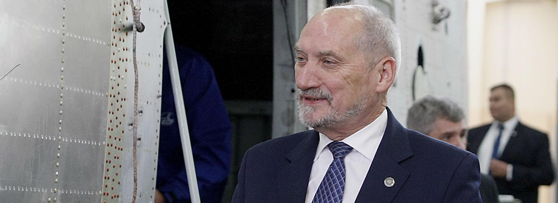 Macierewicz: Raport z prac tzw. podkomisji smoleńskiej wiosną