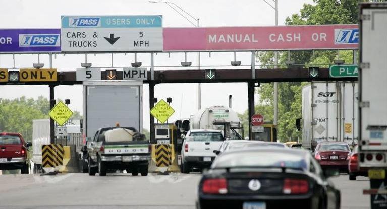 Płacimy za modernizację dróg. Wzrastają opłaty dla kierowców ciężarówek