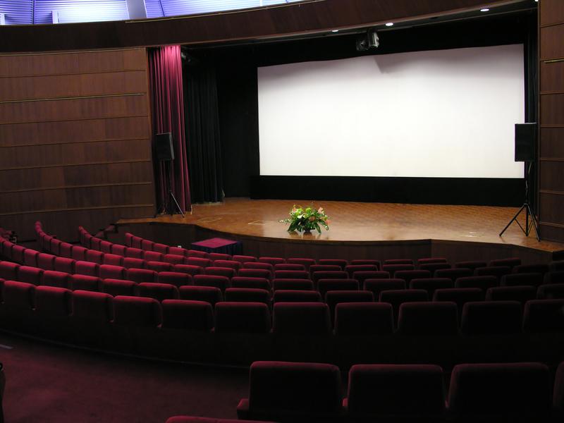 Darmowe bilety do kina dla mieszkańców Michigan, którzy stracili prąd