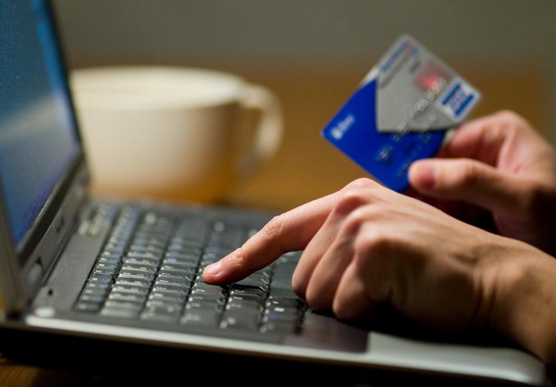 Wzrasta liczba osób aktywnie korzystających z bankowości mobilnej