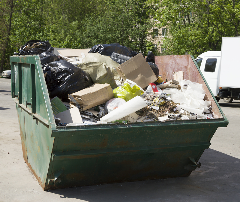 Ekolodzy i Caritas Polska apelują, aby nie wyrzucać jedzenia na śmietnik