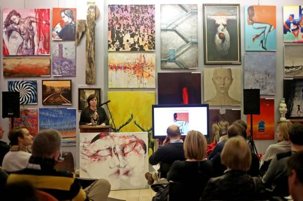 """23 galerie z 13 miast i ponad 20 międzynarodowych artystów w Warszawie. Międzynarodowy projekt """"Friend of a Friend"""""""
