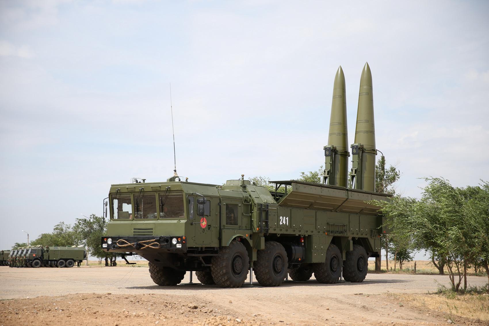 Rosyjskie agencje: Na Krymie są bombowce strategiczne i Iskandery