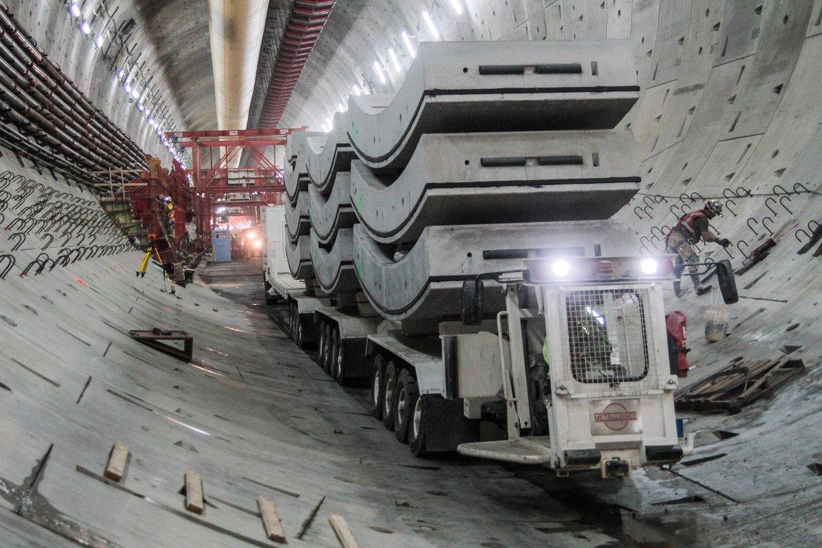 Warty ponad 2 mld dolarów tunel w Seattle w połowie ukończony