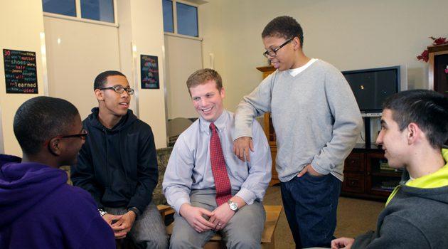 Władze Chicago poszukują mentorów dla młodzieży zagrożonej przemocą