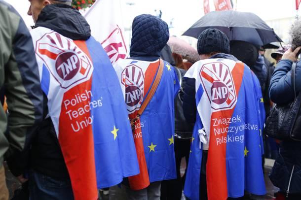"""""""Nie dla chaosu w szkole"""" – protest przeciwko reformie edukacji"""