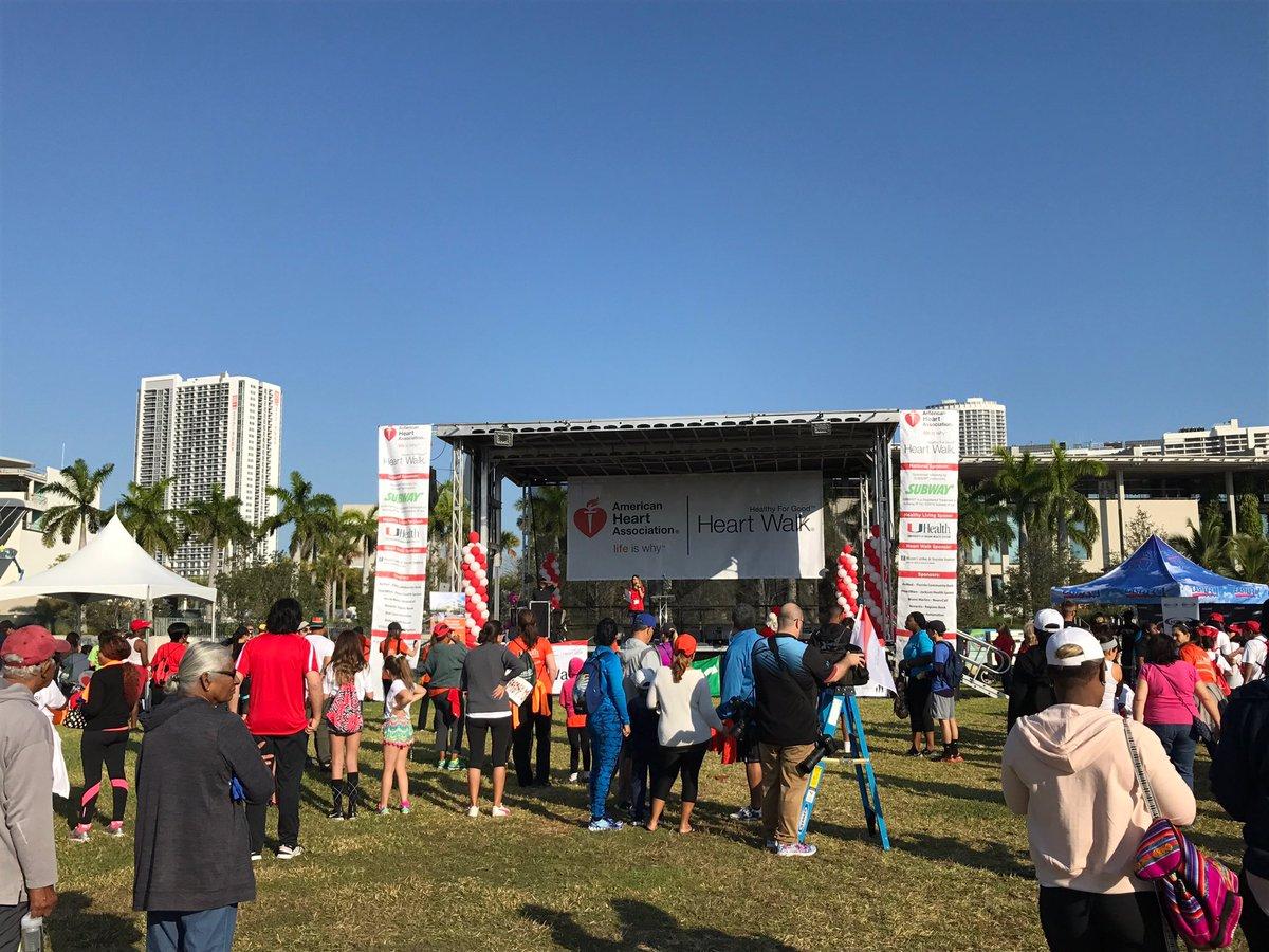 Tysiące osób na Heart Walk w Miami
