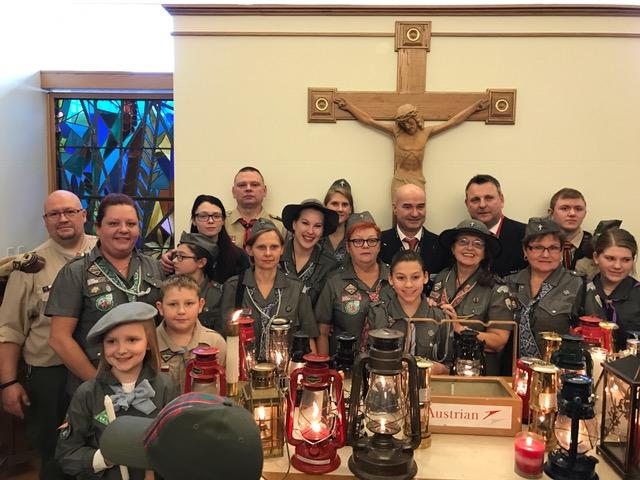 Polonijni Harcerze odebrali  Betlejemskie Światło Pokoju