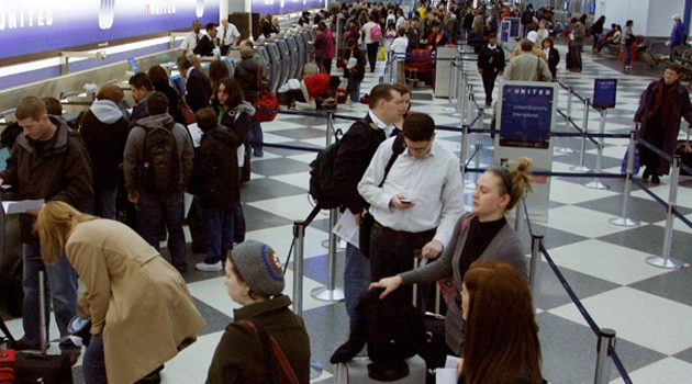 Pasażer chory na odrę na lotnisku O'Hare