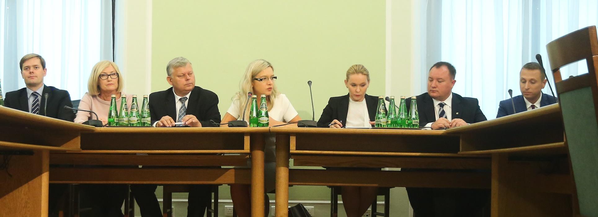Amber Gold: Przesłuchanie byłego wiceministra spraw wewnętrznych Michała Deskura
