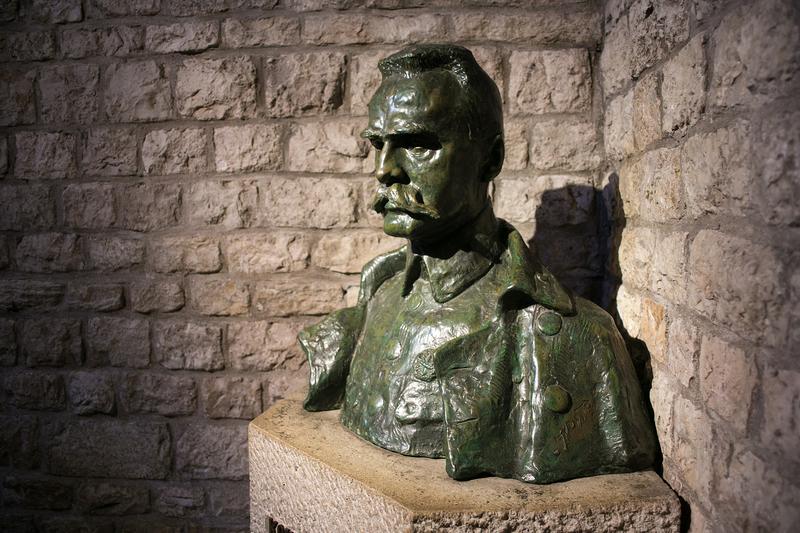 12 maja – rocznica śmierci Józefa Piłsudskiego, Władysława Andersa oraz rozpoczęcia bitwy pod Monte Cassino