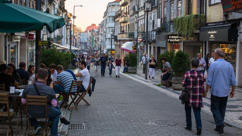 Europejczycy chcą mieszkać u siebie, ale nie wszystkich na to stać