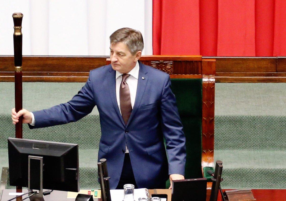 Szybka reakcja na aferę z marszałkiem Kuchcińskim: Znowelizowano przepisy dot. przelotów rządowymi samolotami