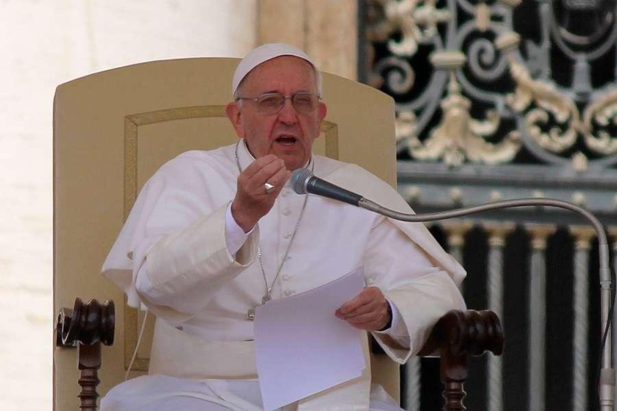 Papież Franciszek modli się o pokój w Syrii, Iraku i na całym Bliskim Wschodzie