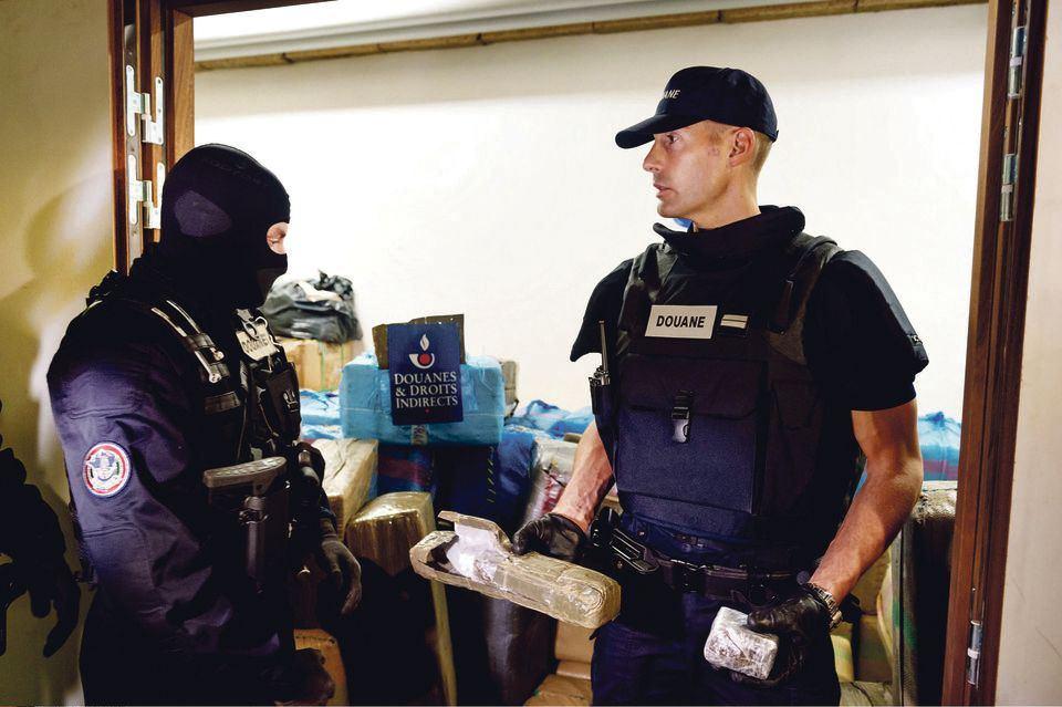 Trzy osoby podejrzane o planowanie ataków terrorystycznych przesłuchiwane we Francji