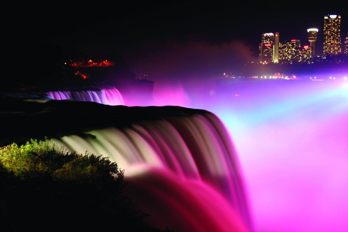 Nowa iluminacja wodospadu Niagara za 4 miliony dolarów (video)