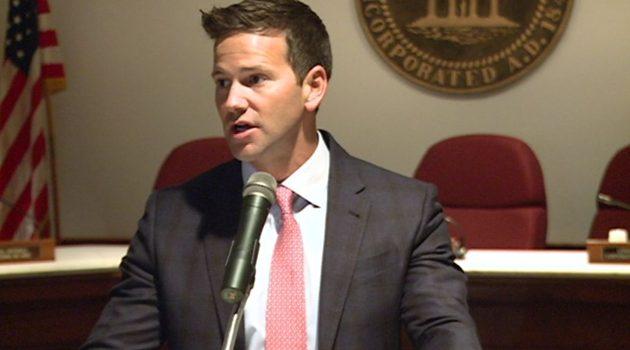 Były kongresman Aaron Schock nie przyznał się do korupcji