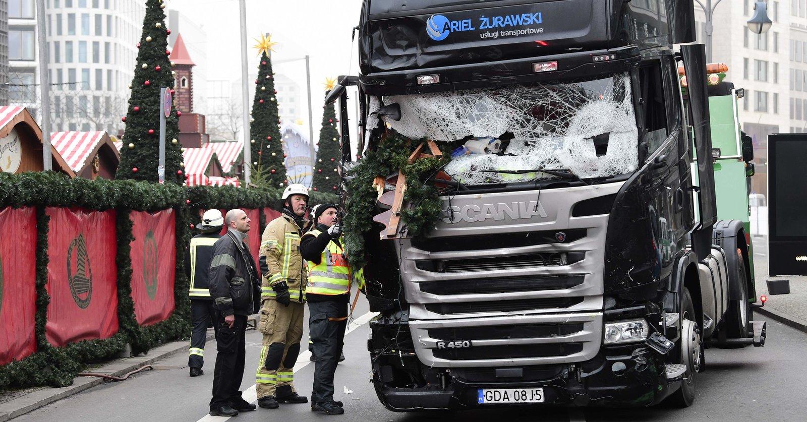 Brytyjscy kierowcy zbierają pieniądze na pomoc dla rodziny zamordowanego Polaka