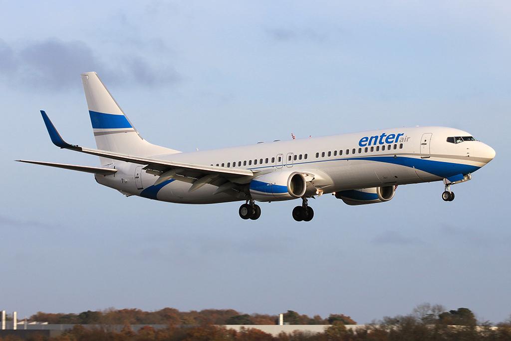 Awaryjne lądowanie samolotu z Las Palmas do Warszawy – Polak groził zdetonowaniem bomby
