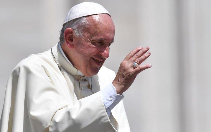 """Papież Franciszek rozpoczął pielgrzymkę do Chile.""""Przybywa do kraju, w którym są duże i widoczne napięcia społeczne"""""""