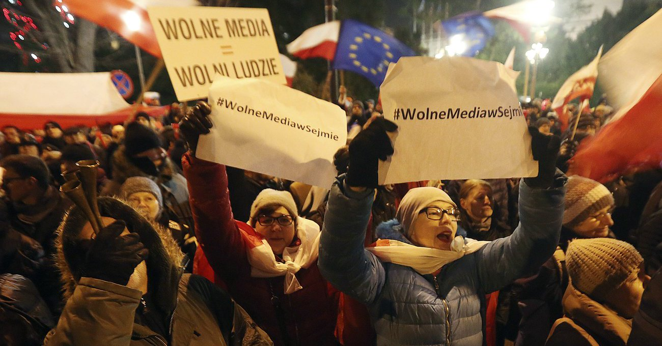 Kryzys na Wiejskiej – całonocne protesty
