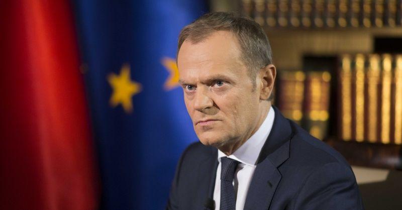 """Brexit: Dwie dymisje w rządzie Theresy May. Tusk: """"Politycy przychodzą i odchodzą, ale problemy, które stworzyli, pozostają"""""""