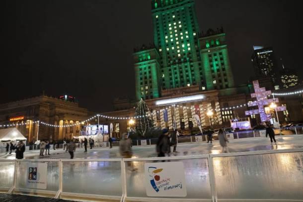 Od dziś zrelaksujesz się na lodowisku pod Pałacem Kultury