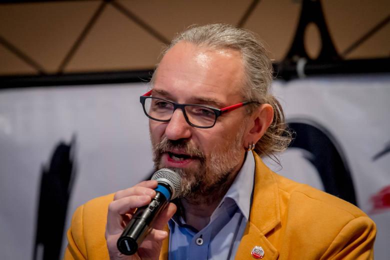 """Kijowski tłumaczy się z """"niefortunnych"""" faktur dla KOD-u, politycy komentują"""