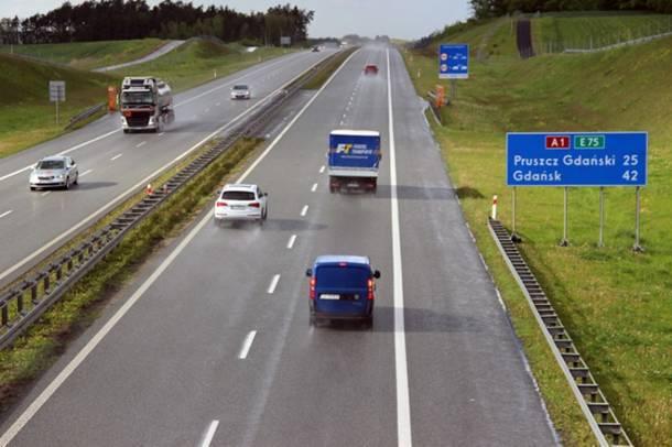 Ma być bezpieczniej na drogach w UE, w autach będą systemy ratujące życie