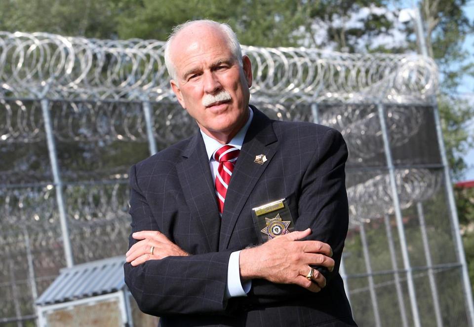 Po przejściu huraganu Harvey szeryf proponuje wysłanie więźniów na pomoc