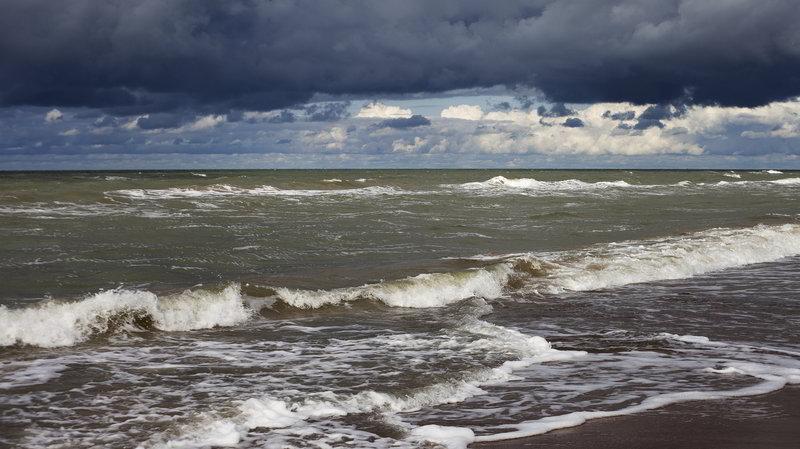 Alarmy sztormowe na Bałtyku odwołane