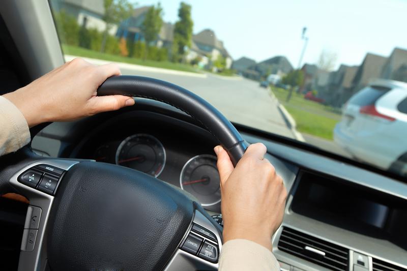 Prezydent podpisał nowelę: Kierowcy nie będą musieli posiadać przy sobie papierowego potwierdzenia opłaty OC oraz dowodu rejestracyjnego