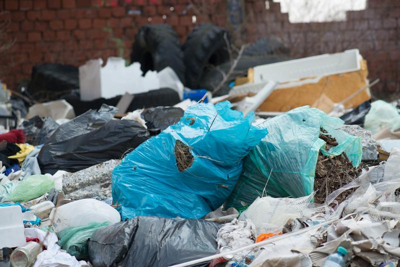 """Sejm przyjął specustawę o odpadach. """"Musimy po was sprzątać"""""""